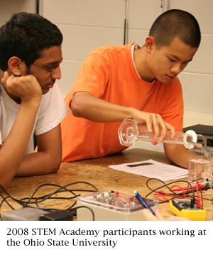 2008 STEM Academy participants working at The Ohio State University